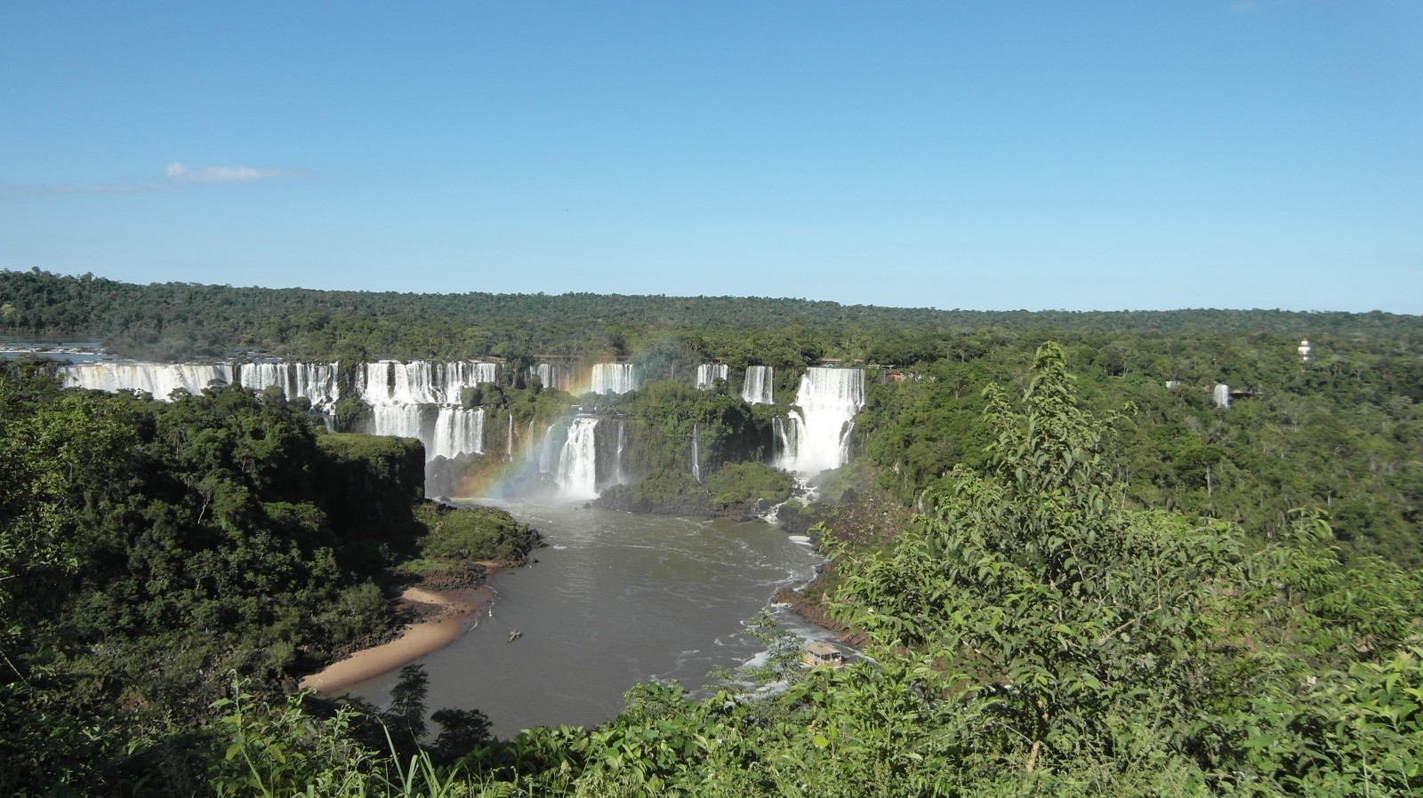foz-do-iguacu-iguacu-waterfall-water-cases-spray-2